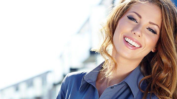 Mulher feliz e realizada